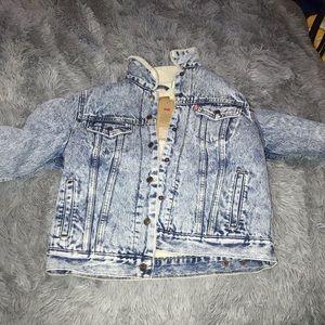 NWT Levi women's Sherpa jean jacket